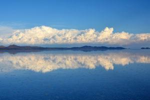 Boliwijski cud natury: Pustynia bez ziarenka piasku. Poznajcie Salar de Uyuni
