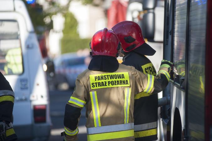 """W sobotę wieczorem dotureckiej miejscowości Dalaman dotarła trzyosobowa grupa strażaków, którawpiątek wyruszyła zPolski drogą lądową. Strażacy zabrali m.in.sprzęt potrzebny dogaszenia pożarów ześmigłowca. Zdjęcie ilustracyjne (<a href=""""https://pixabay.com/pl/users/andrzejrembowski-2775184/?utm_source=link-attribution&amp;utm_medium=referral&amp;utm_campaign=image&amp;utm_content=4225087"""">Andrzej Rembowski</a> / <a href=""""https://pixabay.com/pl/?utm_source=link-attribution&amp;utm_medium=referral&amp;utm_campaign=image&amp;utm_content=4225087""""> Pixabay</a>)"""